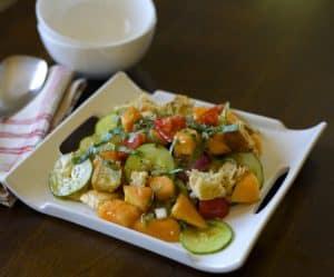 cantaloupe panzanella salad recipe / thedomesticdietitian.com