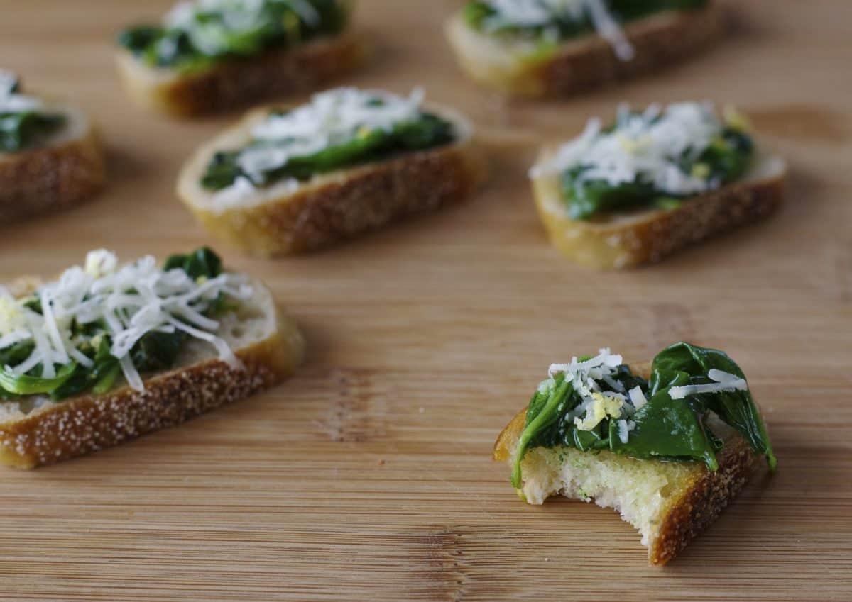 sautéed spinach crostini