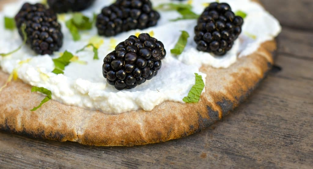 blackberry ricotta pita2